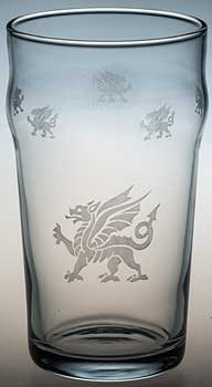 Pint glass with Welsh dragons