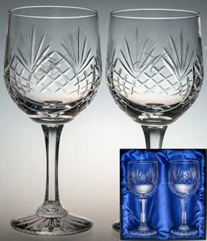 PAIR OF CRYSTAL GOBLETS IN BOX